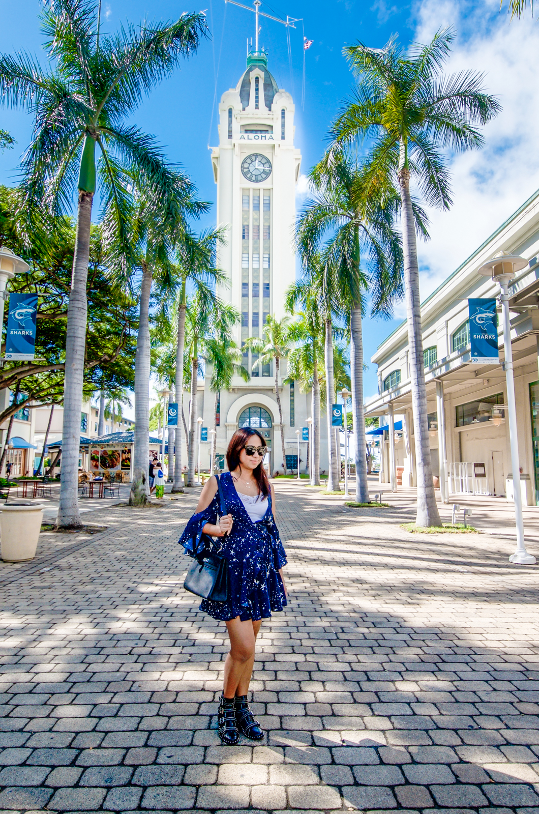Hawaii travel blogger